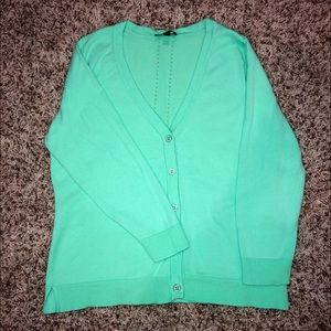 Limited V-neck Cardigan